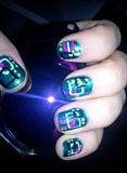 green abstract nails