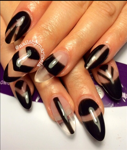 Negative space - Nail Art Gallery