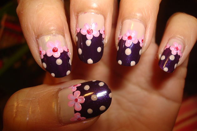 cute little dot  inspired by nail up