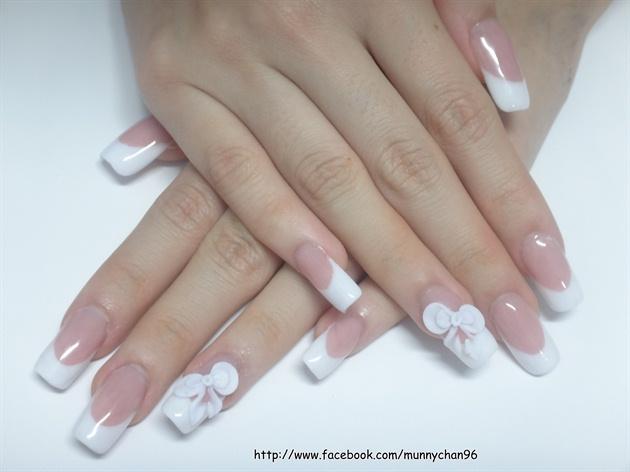 French nails + ribbon