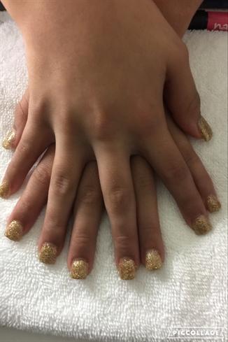 Glitter Me Gold