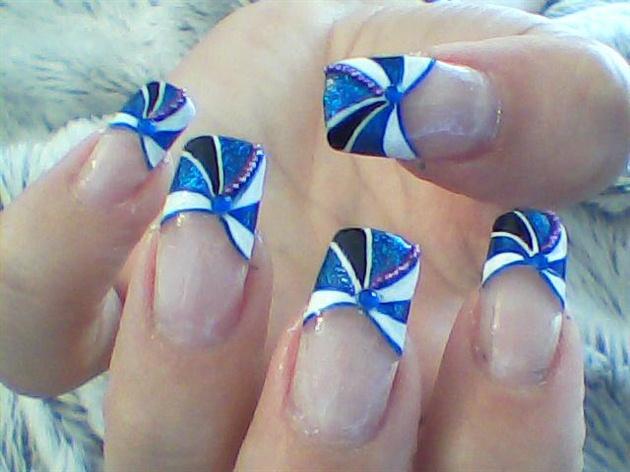 Gorgeous Blue Tip Design