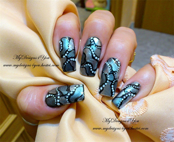 Mirror Mosaic Effect Grey Nails