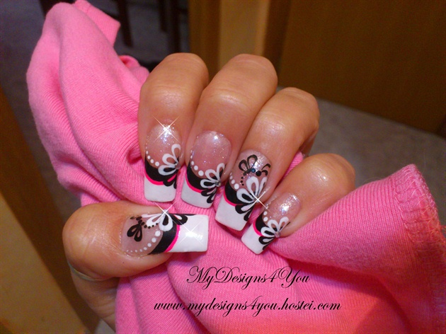 Black and White Flower Nails. - Black And White Flower Nails. - Nail Art Gallery