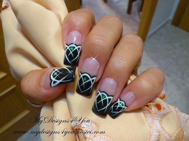 Mysterious Emerald Gem, Design