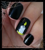 Last minute Halloween nail art-paint a c