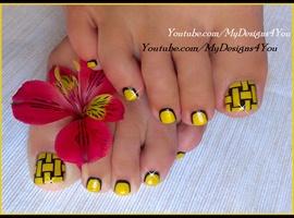 nail art: Woven Toenail Art Design