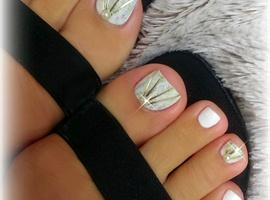 nail art: DIY Wedding Toenail Art Design