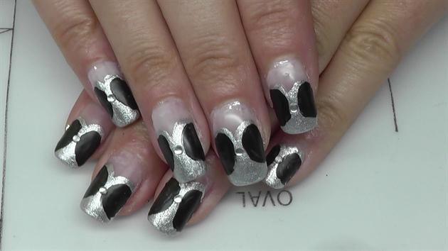 black-silver matt nail design