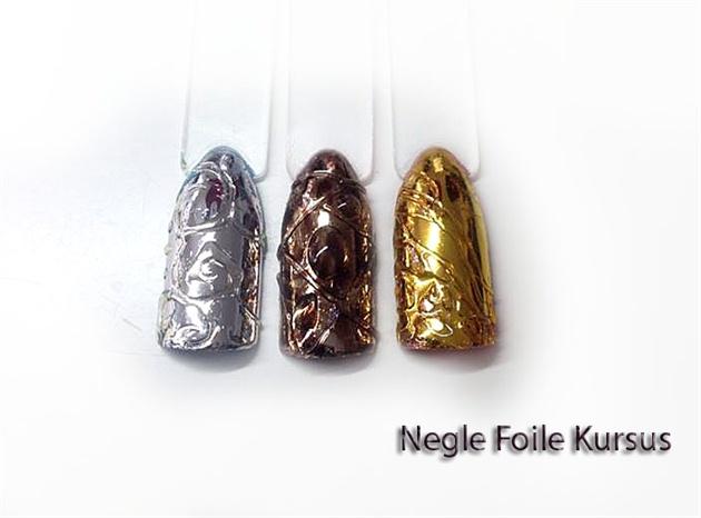 Nail art Foile negle