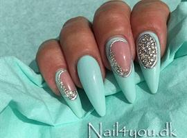Pastel gele negle - Nails