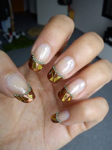 Love4nails inspired: Golden flakes