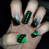 Green/black Illusion