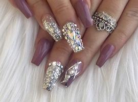 nail art: Elegant theme with Swarovski Crystals