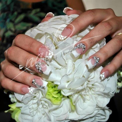 Bride Nails With Nail Art Design Nail Art Gallery