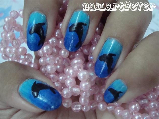 Dolphin nails !