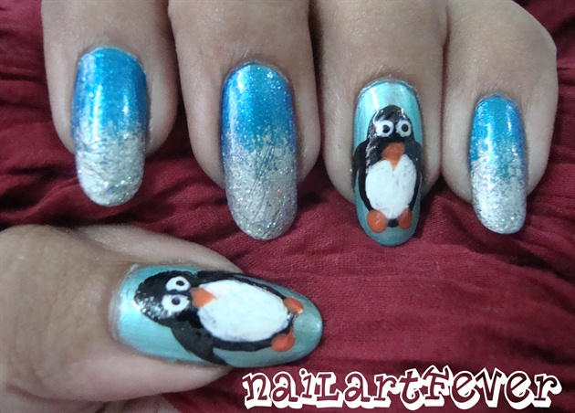 Frosty penguin nails !