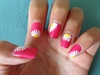 Girly Daisy Nails
