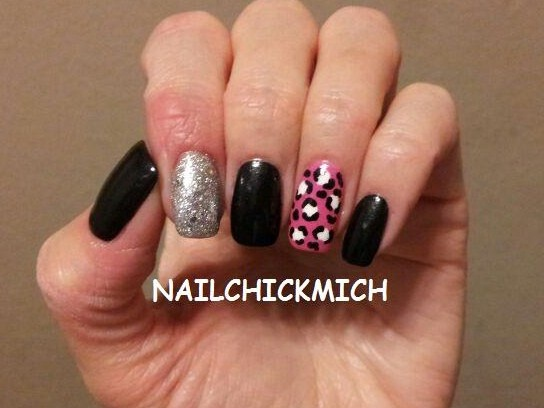 Glitter and leopard print accent nail