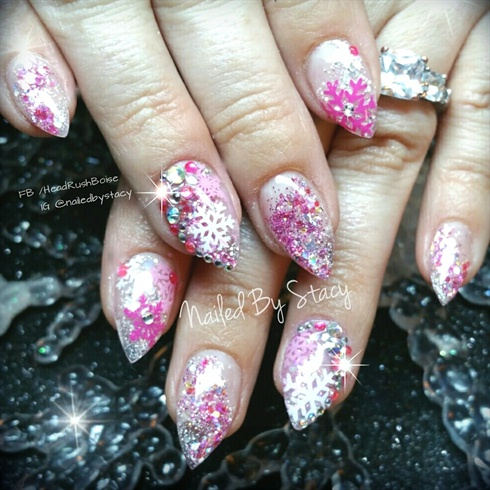 Snowflake icicle nails