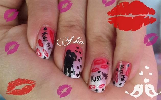 Couple Kissing nails