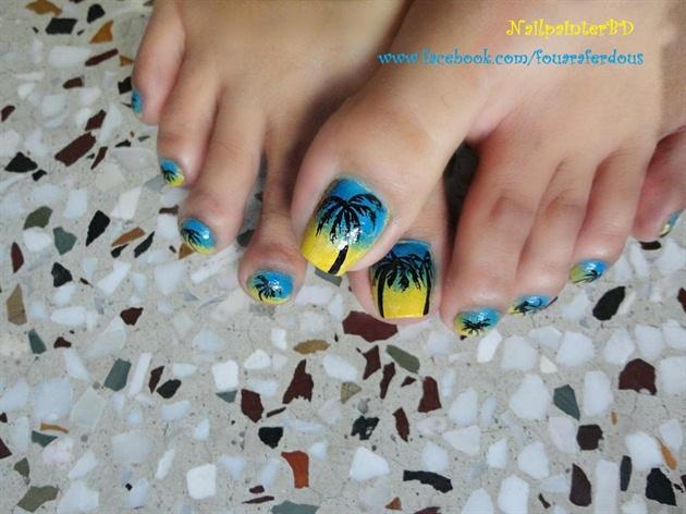 Summer Time Beach Toe Nails