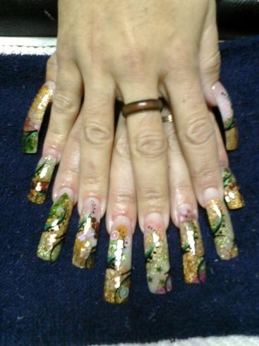 Encapsulado, each nail diferent