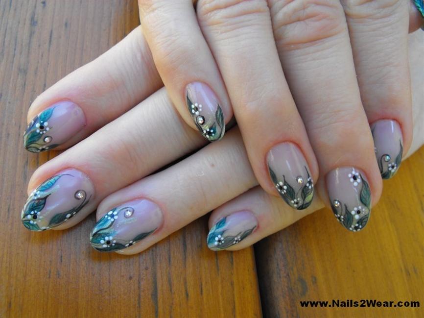 Almond shaped natural looking nails - Nail Art Gallery