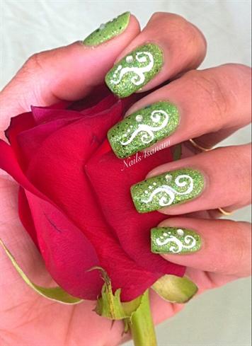 White Spirals On Glitter Green