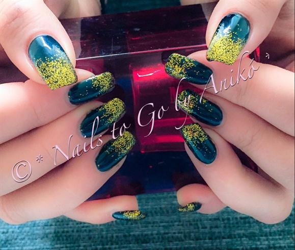 Pure-Black & Gold-Glitter Ombre