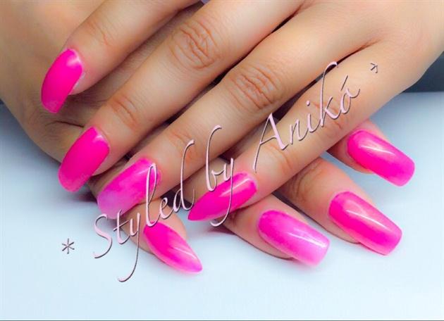 Pink Summer Nails - Luxury Magneta
