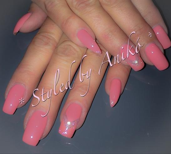 Wetlook-Coral Nails & Crystal-Twinkle...