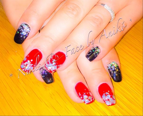 X-Mas Nails In Red & Black & Glitter