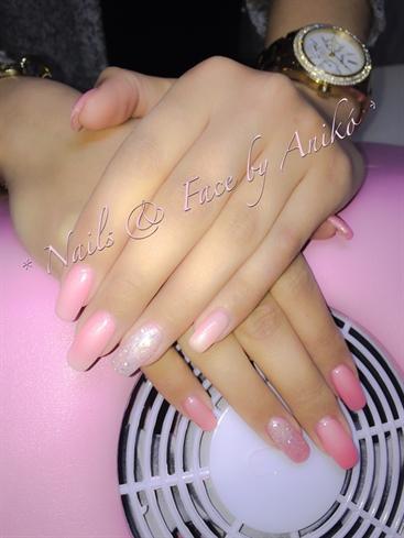 Rosè & Perlmutt-White Thermo-Nails