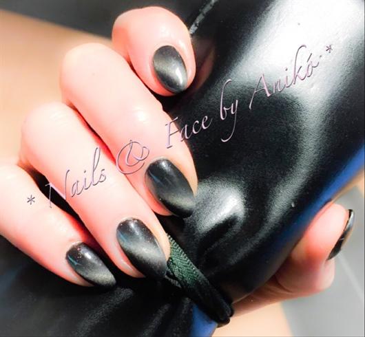 Cateye Nails In Black