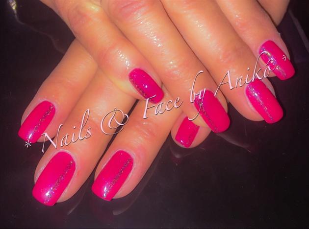 Pink-Nails & Glitter-Stripes...