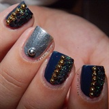Glittery Decorations Nails