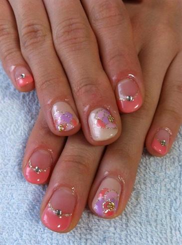 Flat gel painted flower nails