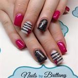 Dark pink, black glitter/striped accent