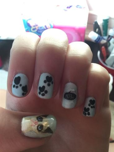 Grumpy Cat Nails