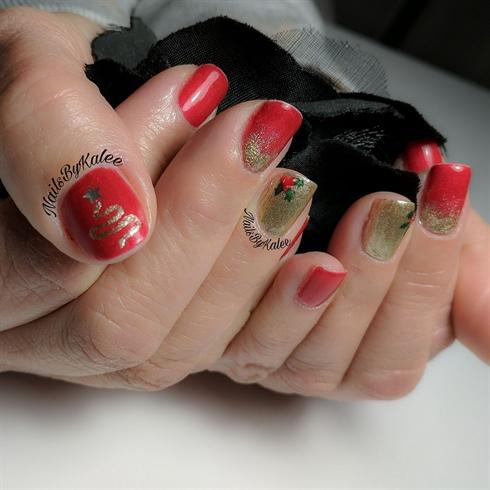 Mom's Christmas Nails