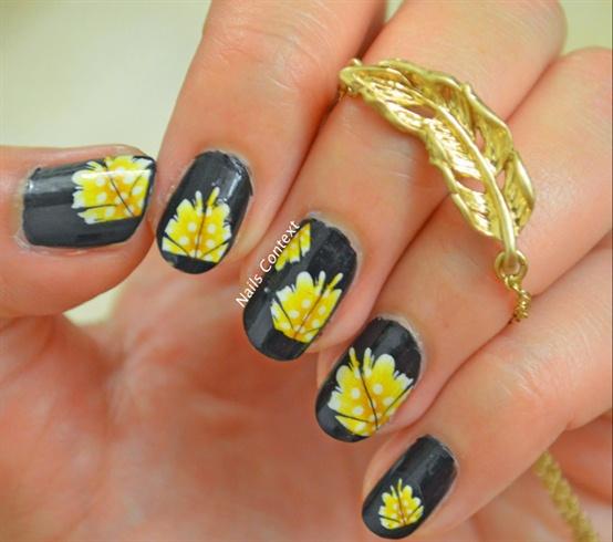Feathers Nail Art