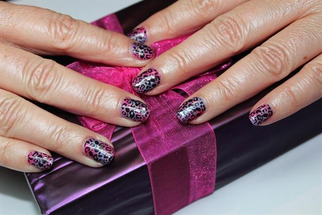 Pink purple leopard print