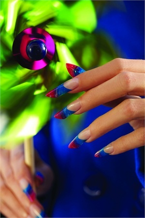 Pretty Pinwheel Nails