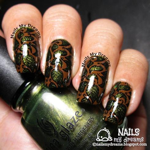 Leaves Nail Art