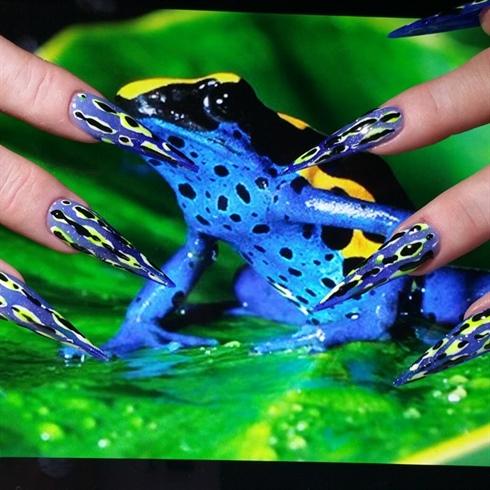 Exotic Frog Nails