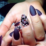 Vampy nail
