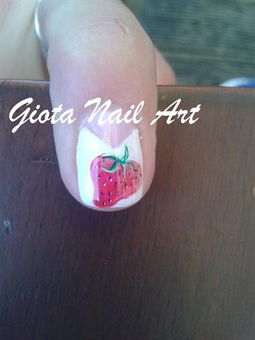 Gel Strawbery Nails