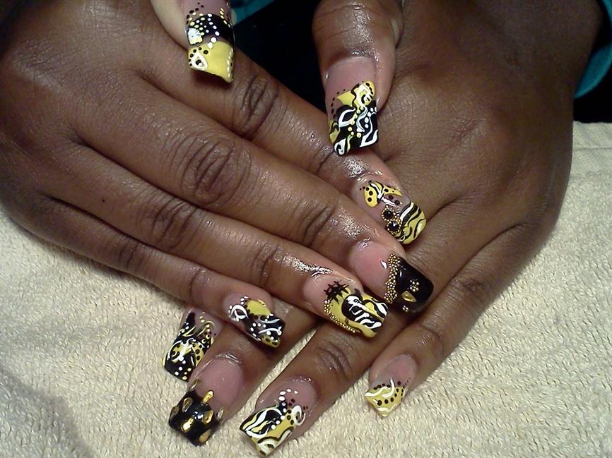 Bumble bee Nails 2 - Nail Art Gallery