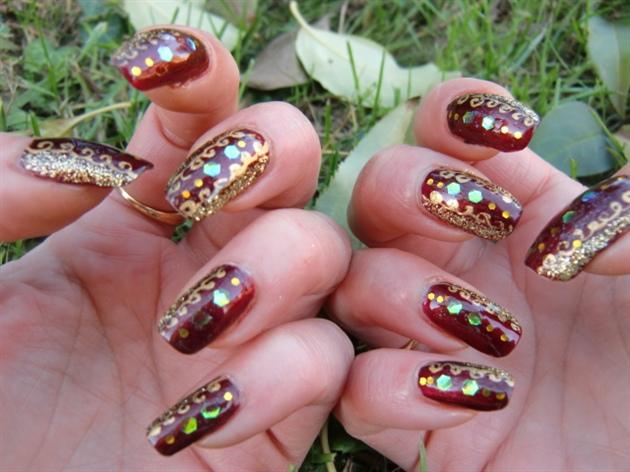 Elegant Red And Gold Christmas Nail Art Nail Art Gallery